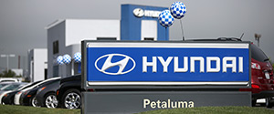 Hyundai is recalling its popular Sonata midsize sedan to fix problems with the gear shift levers. The recall covers 883,000 cars from the 2011 through 2014 model years. The Korean automaker says the automatic transmission shift cable can separate from the shift lever. If that happens, the lever may not show the correct gear, increasing […]