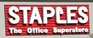 Staples Inc (SPLS.O) warned that its sales could fall in the current quarter as it sells fewer computers and core office supplies such as ink and toner in North America amid stiff competition from online retailers and big-box chains. Shares of the largest U.S. office supply retailer, which reported better-than-expected results for the second quarter, […]