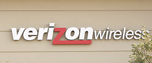"""Cutting the Cord: Verizon builds; will cord cutters come?  <div style=""""clear:left""""><a href=""""http://www.gannett-cdn.com/-mm-/f3198843e5d2c9871e552f61187c6fb3b9f6f8d4/r=1024x200/local/-/media/USATODAY/USATODAY/2014/11/22/635522520257235927-Main-Menu-Final.JPG"""" title=""""View image""""><img border=""""0"""" src=""""http://www.gannett-cdn.com/-mm-/f3198843e5d2c9871e552f61187c6fb3b9f6f8d4/r=1024x200/local/-/media/USATODAY/USATODAY/2014/11/22/635522520257235927-Main-Menu-Final.JPG"""" /></a></div> <div style=""""clear:both;padding-top:0.2em""""><a title=""""Like on Facebook"""" href=""""http://rssfeeds.usatoday.com/_/28/79298752/UsatodaycomMoney-TopStories""""><img height=""""20"""" src=""""http://assets.feedblitz.com/i/fblike20.png"""" style=""""border:0;margin:0;padding:0""""></a><a title=""""Share on Google+"""" href=""""http://rssfeeds.usatoday.com/_/30/79298752/UsatodaycomMoney-TopStories""""><img height=""""20"""" src=""""http://assets.feedblitz.com/i/googleplus20.png"""" style=""""border:0;margin:0;padding:0""""></a><a title=""""Pin it!"""" href=""""http://rssfeeds.usatoday.com/_/29/79298752/UsatodaycomMoney-TopStories,""""><img height=""""20"""" src=""""http://assets.feedblitz.com/i/pinterest20.png"""" style=""""border:0;margin:0;padding:0""""></a><a title=""""Tweet This"""" href=""""http://rssfeeds.usatoday.com/_/24/79298752/UsatodaycomMoney-TopStories""""><img height=""""20"""" src=""""http://assets.feedblitz.com/i/twitter20.png"""" style=""""border:0;margin:0;padding:0""""></a><a title=""""Subscribe by email"""" href=""""http://rssfeeds.usatoday.com/_/19/79298752/UsatodaycomMoney-TopStories""""><img height=""""20"""" src=""""http://assets.feedblitz.com/i/email20.png"""" style=""""border:0;margin:0;padding:0""""></a><a title=""""Subscribe by RSS"""" href=""""http://rssfeeds.usatoday.com/_/20/79298752/UsatodaycomMoney-TopStories""""><img height=""""20"""" src=""""http://assets.feedblitz.com/i/rss20.png"""" style=""""border:0;margin:0;padding:0""""></a><div style=""""padding:0.3em""""></div></div>"""