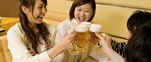 """If you live outside of China, you may never had heard of Snow, a pale ale made by SABMiller and China Resources Enterprise. But it has beenthe top selling beer brand in the world in terms of volume since 2008, when it overtook Bud Light. SABMiller likes to brag that in 2012 it sold enough […]<img alt="""""""" border=""""0"""" src=""""http://pixel.wp.com/b.gif?host=qz.com&blog=39587363&post=410413&subd=qzprod&ref=&feed=1"""" width=""""1"""" height=""""1"""" />"""